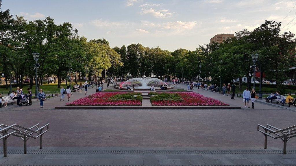 Новопушкинский сквер фото ожить
