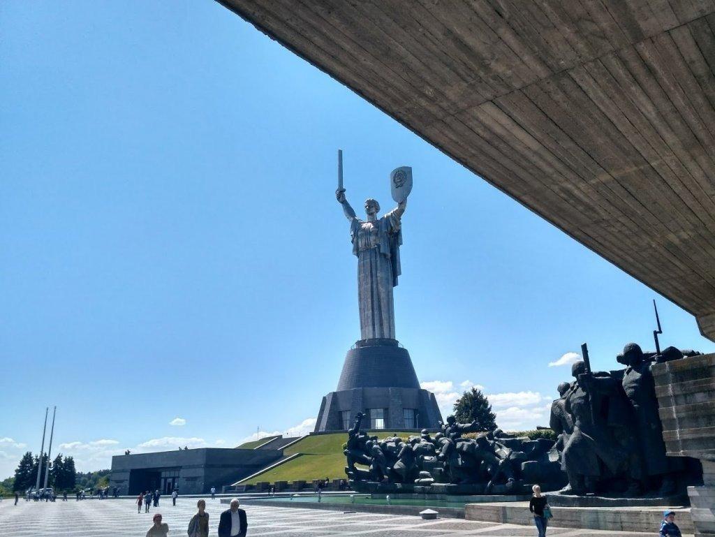 качестве картинка памятники родина мать павловск воронежская область цапли стоят