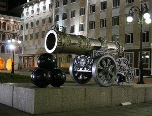 Фото Памятник Царь пушка