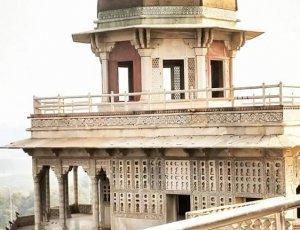 Башня Мусаман-Бурж