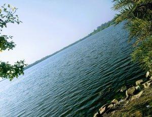 Озеро Keetham Lake