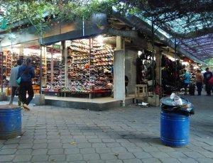 Блошиный рынок Пакунсен Клитикан