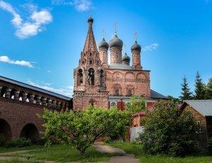 Храм Успения Пресвятой Богородицы Крутицкого подворья
