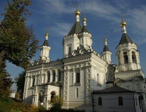 Храм Архангела Михаила при клиниках на Девичьем поле