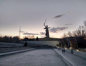 Памятник Родина-мать зовёт