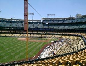 Доджер-стэдиум: бейсбольный стадион