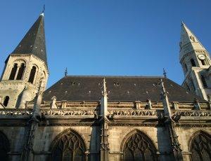 Фото Соборная церковь Нотр-Дам Пуасси