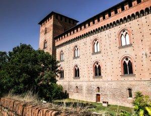 Замок Висконти