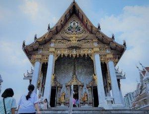Храм Хуа Лампхонг