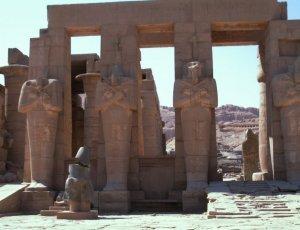 Храмовый комплекс Рамзеса III Рамессеум