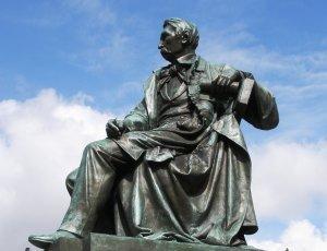 Памятник Александру Фредро