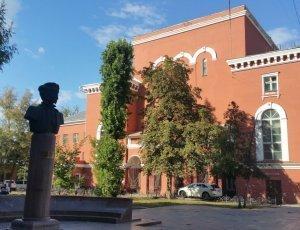 Памятник М.Е. Пятницкому