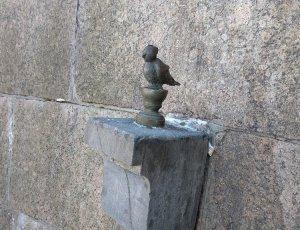 Памятник Чижик-пыжик