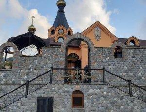 Мужской монастырь Крестовая Пустынь