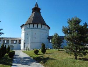 Башня «Красные Ворота» астраханского кремля