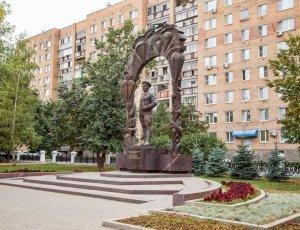 Памятник генералу Маргелову В.Ф