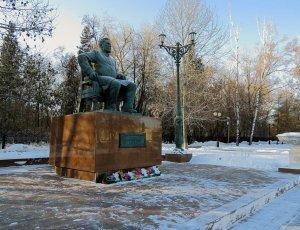 Памятник купцу Текутьеву