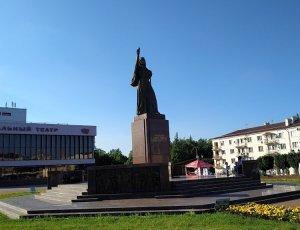 Памятник «Навеки с Россией»