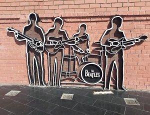 Фото Памятник группе «The Beatles»