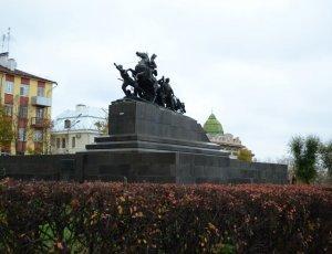 Памятник Василию Чапаеву