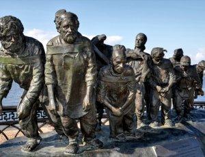 Памятник «Бурлаки на Волге»