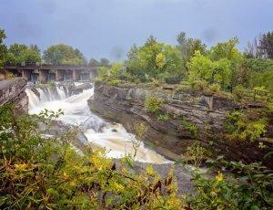 Водопады Хогс-Бэк