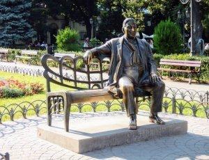 Памятник Леониду Утёсову