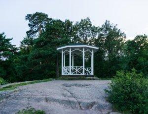 Чайная беседка в парке Монрепо