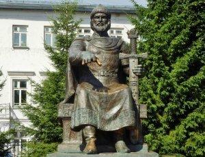 Фото Памятник Юрию Долгорукому в Костроме