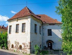 Костёл Святого Гиацинта: Рыцарский дом