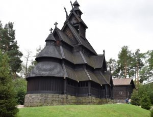 Средневековая деревянная церковь Ставкирка из Гуля