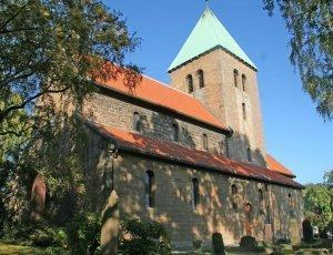 Старая церковь Акера