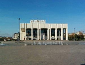 Академический Театр-Театр