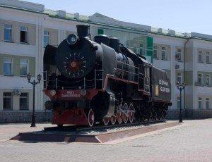 Паровоз-памятник Серго Орджоникидзе