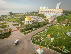 Дворец Куриного Короля Баан Сукхавади