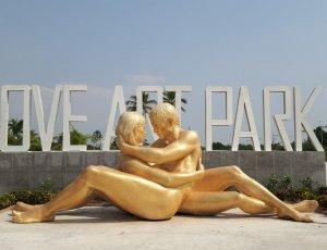 Фото Парк любви и эротических скульптур