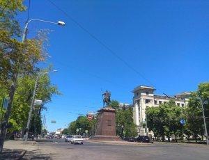 Фото Памятник основателям Харькова