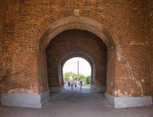 Фото Пятницкие ворота в Коломне