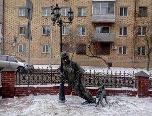 Памятник «Дядя Вася - пьяница»