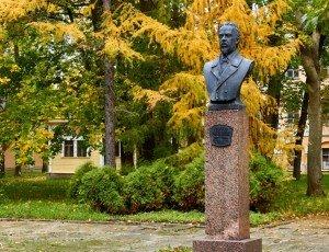 Памятник Александру Попову