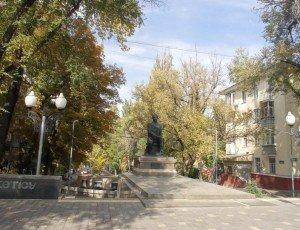 Памятник М.Тулебаеву