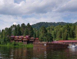 База отдыха «Горное озеро» Артыбаш на Телецком озере