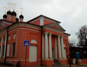 Храм Георгия Победоносца за лавками