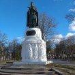 Фото Памятник княгине Ольге в Пскове 9