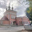 Фото Храм Георгия Победоносца за лавками 9