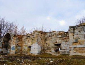 Остатки стены Серпуховского кремля