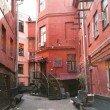 Фото Красный дворик в Минске 6