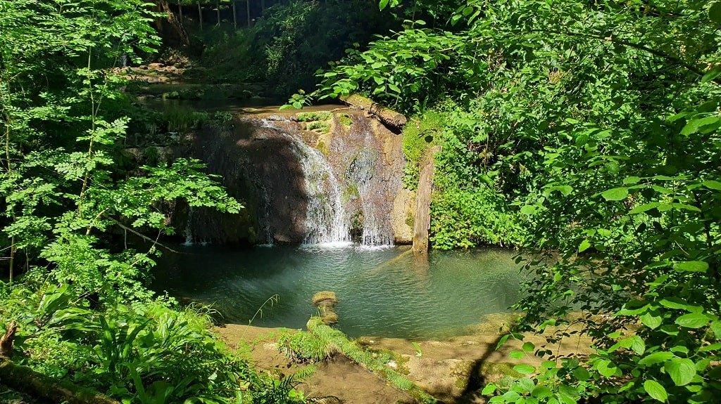 Расположение и особенности 33 водопадов