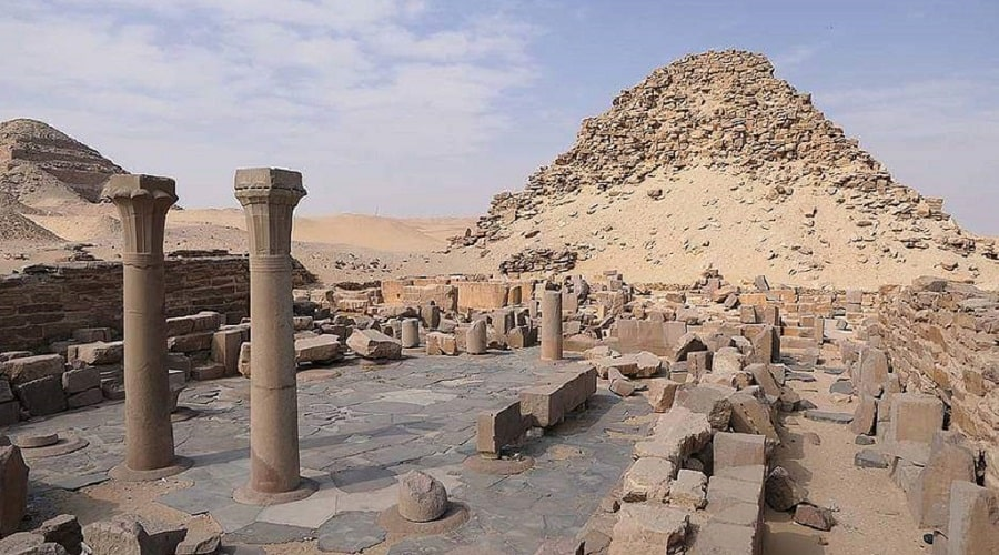 Пирамида Сахура