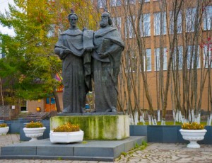 Фото Памятник Кириллу и Мефодию